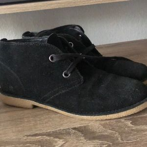 Lucky brand black boot/sneakers